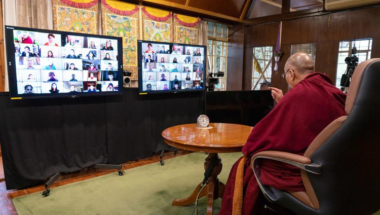 Bien-être et résilience (Sa Sainteté le Dalaï Lama) 2021-01-22-Dharamsala-N04_JAM4547
