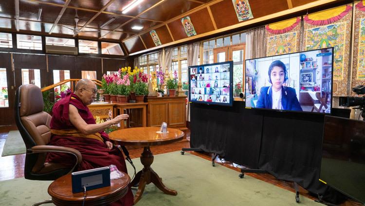 Bien-être et résilience (Sa Sainteté le Dalaï Lama) 2021-01-22-Dharamsala-N07_JAM4634